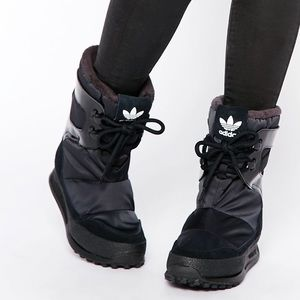NWT Adidas Original Snowrush snow boots winter